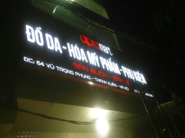 Biển quảng cáo tại Hà Đông